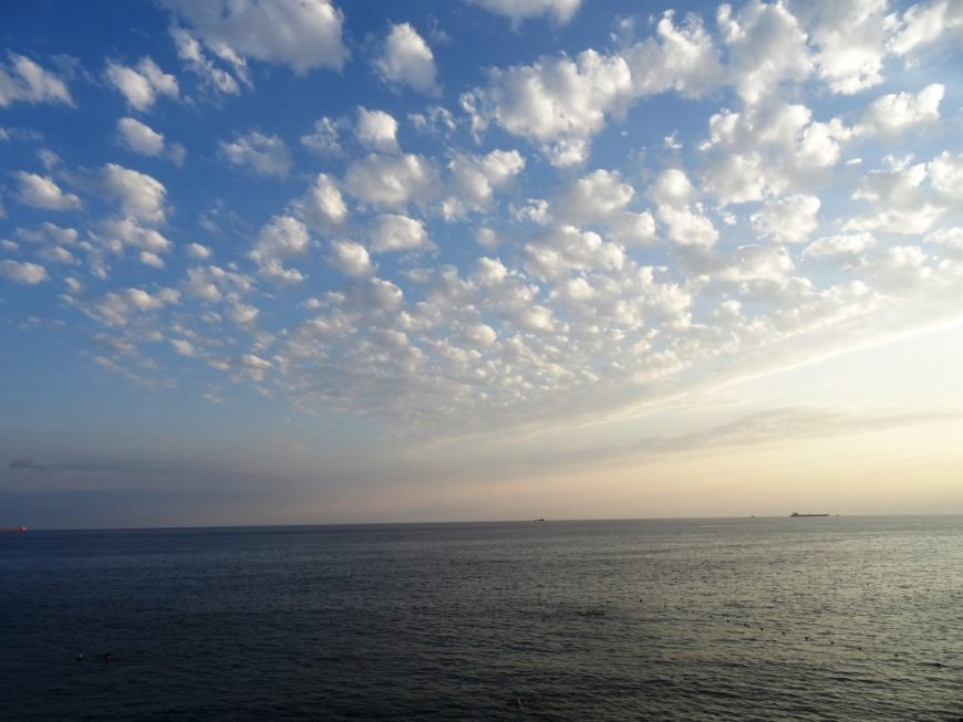 Вечернее море в районе Мысхако