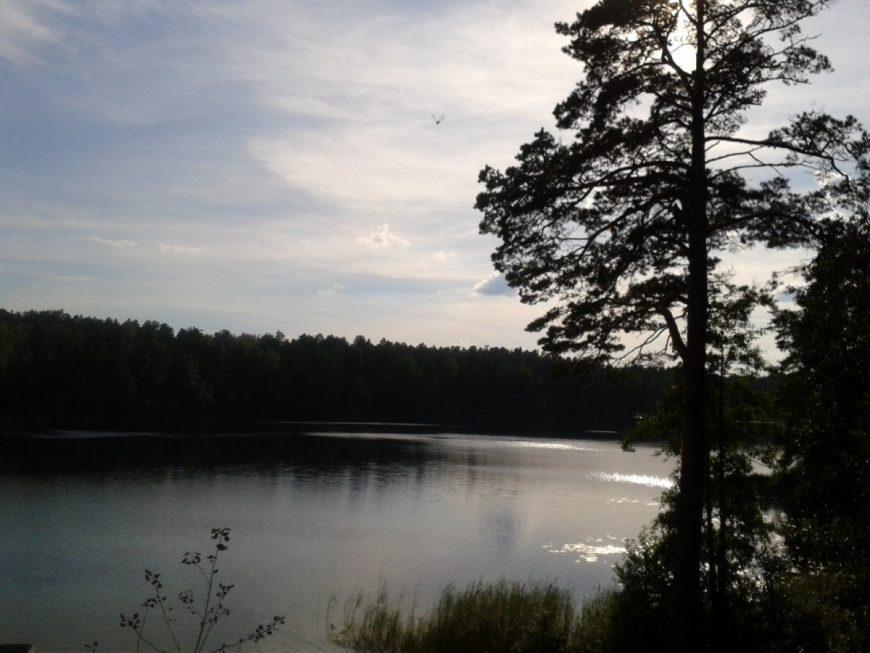 Это озеро Омчино, где санаторий