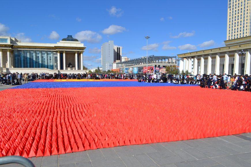 Флешмоб на площади Сухэ-Батора