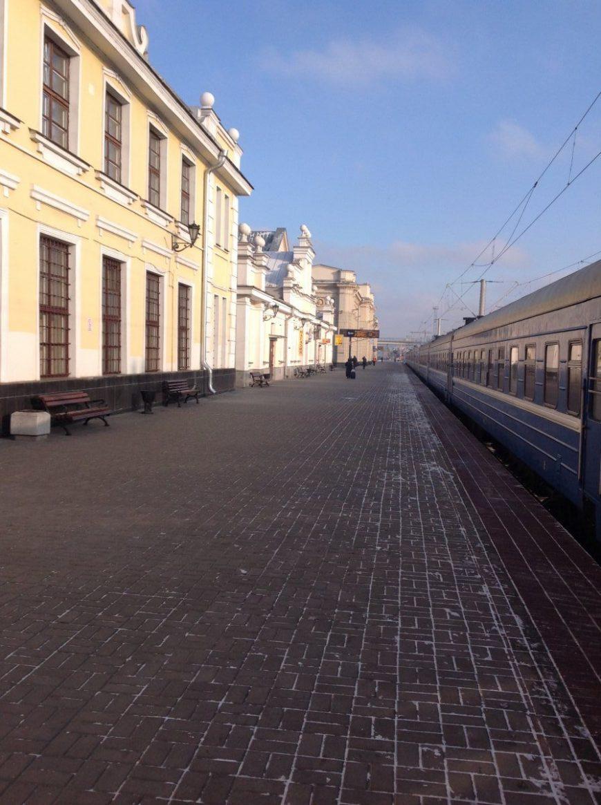 Самое живое место на Беларуси - вокзал. Ведь тут можно уехать