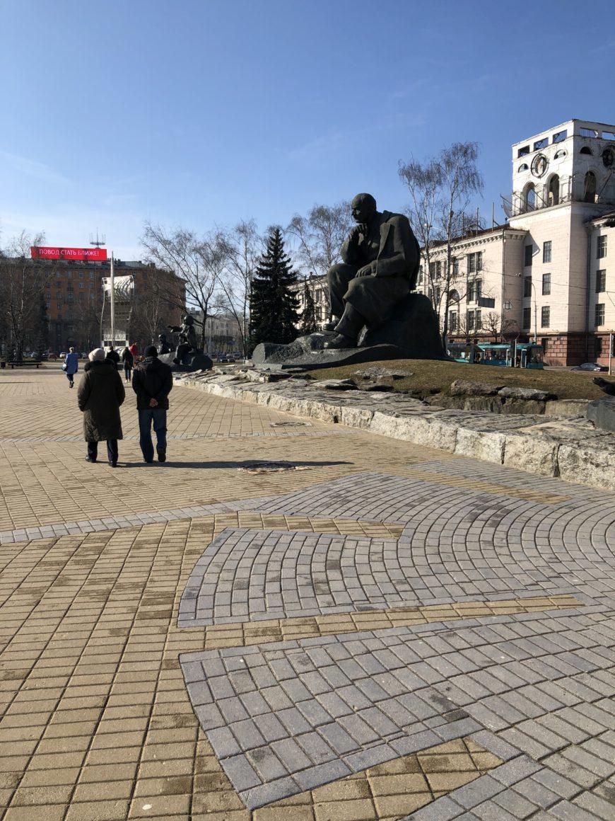 Площадь Якуба Коласа в Советском районе