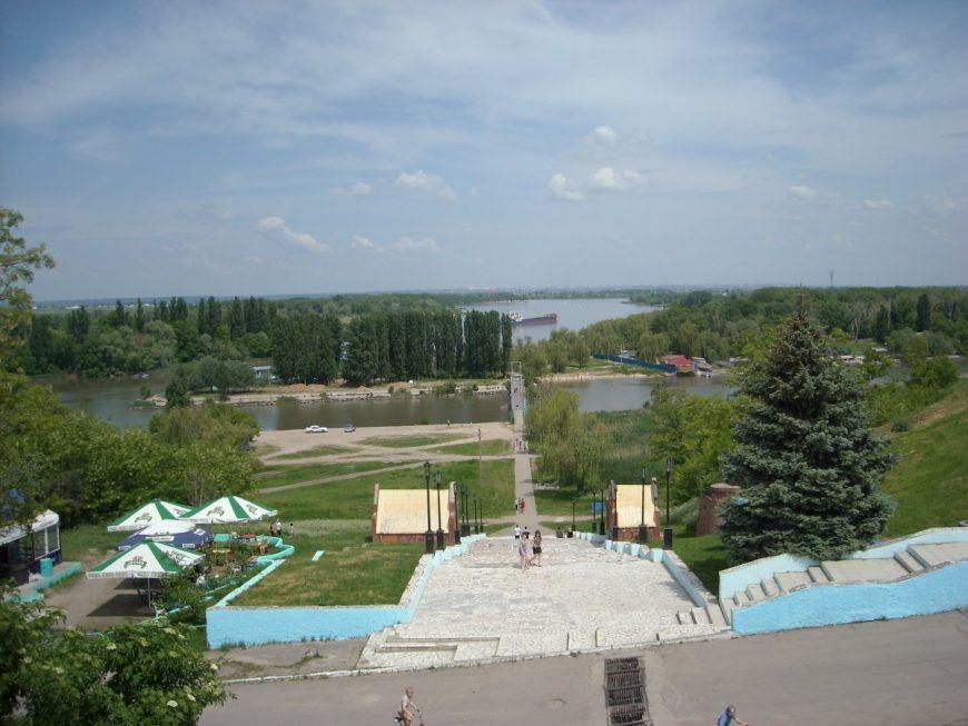 Азов (устье реки Дон)