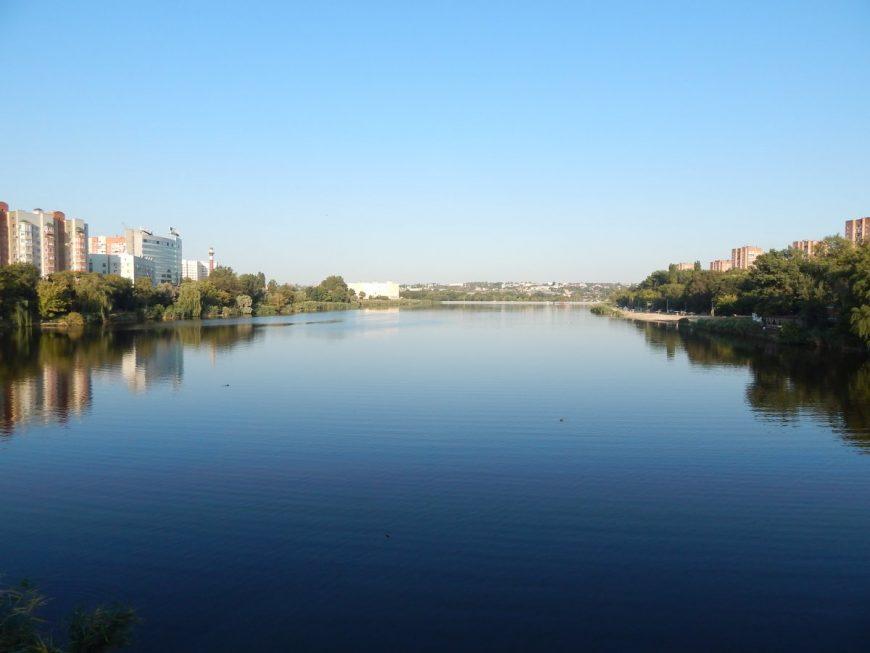 Вид с моста на реку Темерник