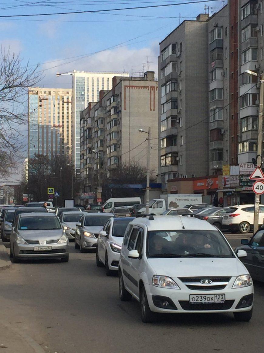 Почти пустая Зиповская между ул. Московской и ул. Российской
