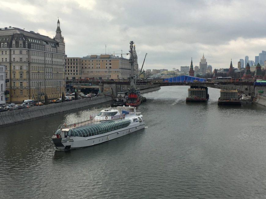Круизы по Москве реке весной