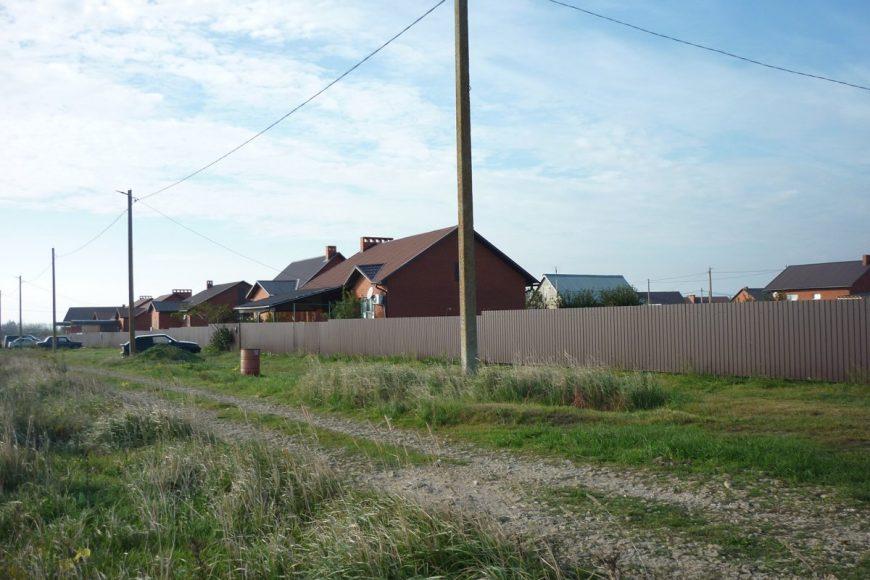 Коттеджный поселок в Ильиче, рядом два моря
