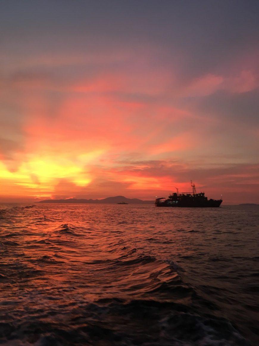 Море перед рассветом