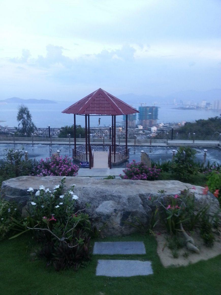 Вид на Нячанг с горы