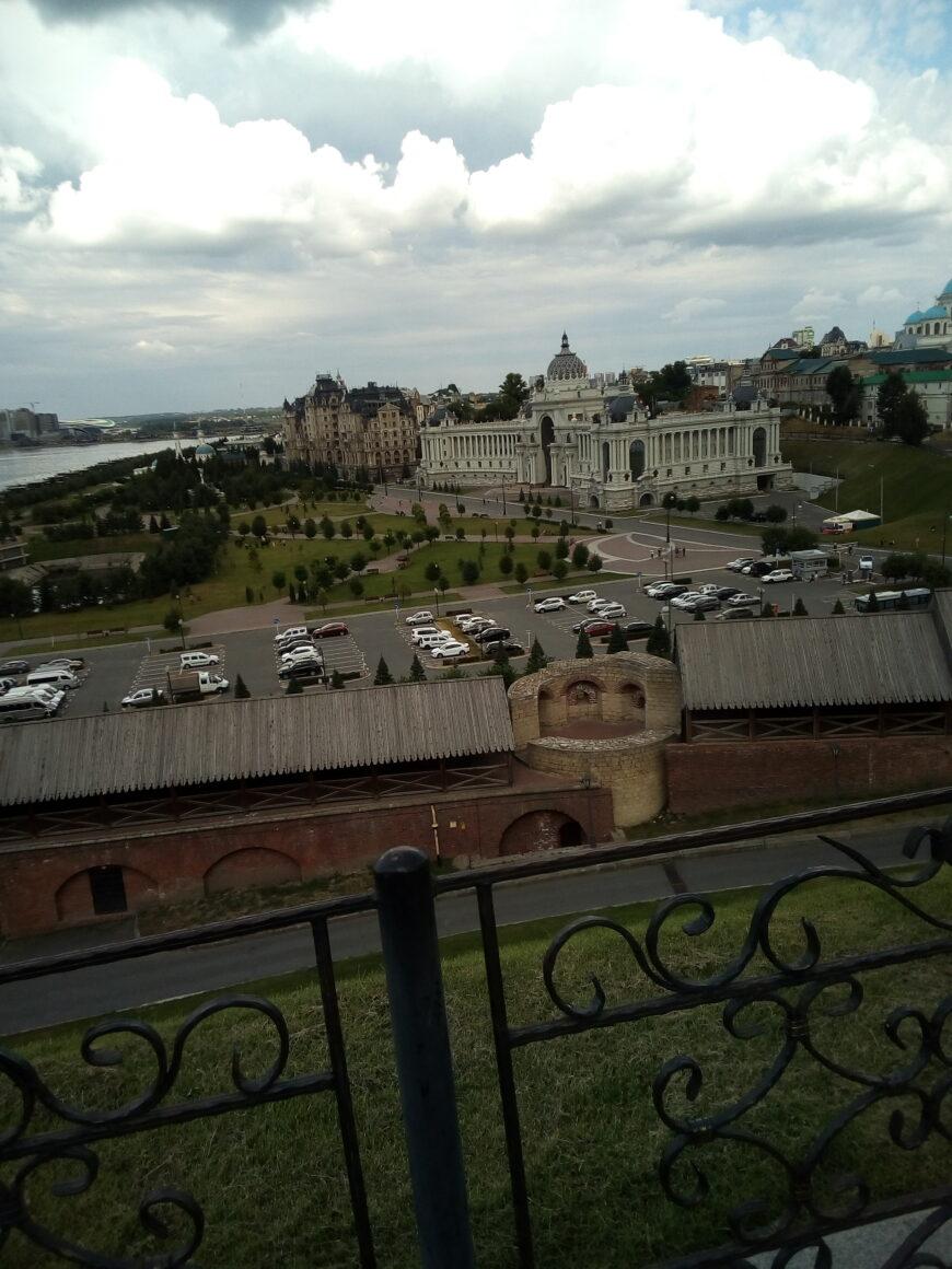 Вид на Дворец Земледельцев