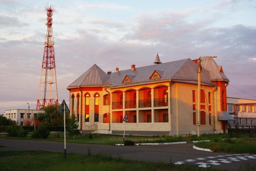 Местная гостиница, расположенная в центре села