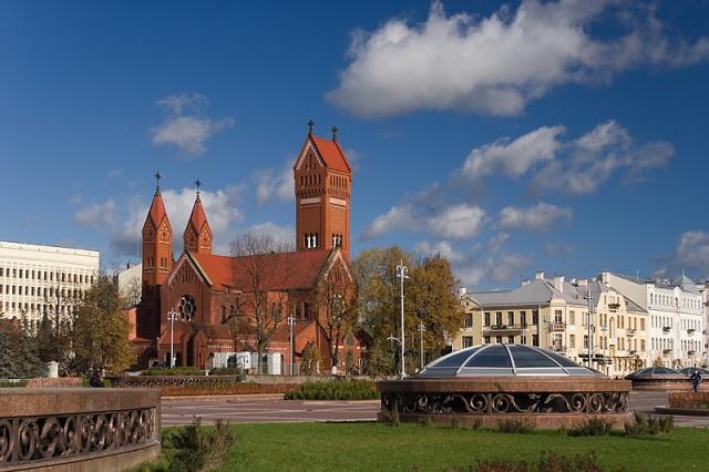 Костел Святого Симеона и Святой Елены в Московском районе