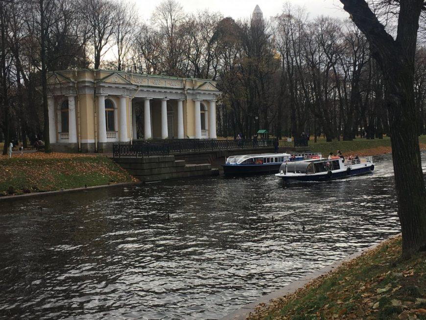 Водные прогулки в Петербурге