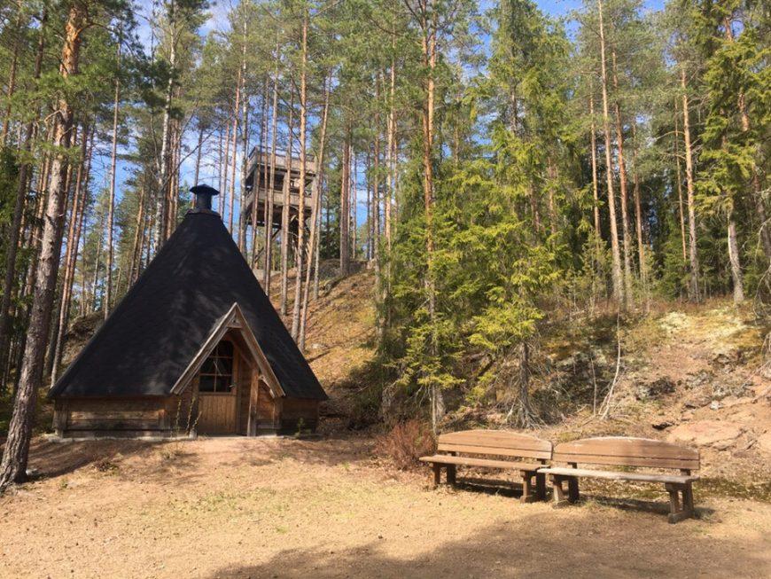 Гриль-домик у озера в Финляндии