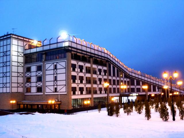 """Спортивный комплекс """"Квань"""". Гостиница, с крыши которой начинается горнолыжная трасса"""