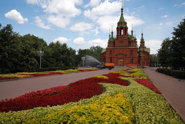Челябинск. Алое поле