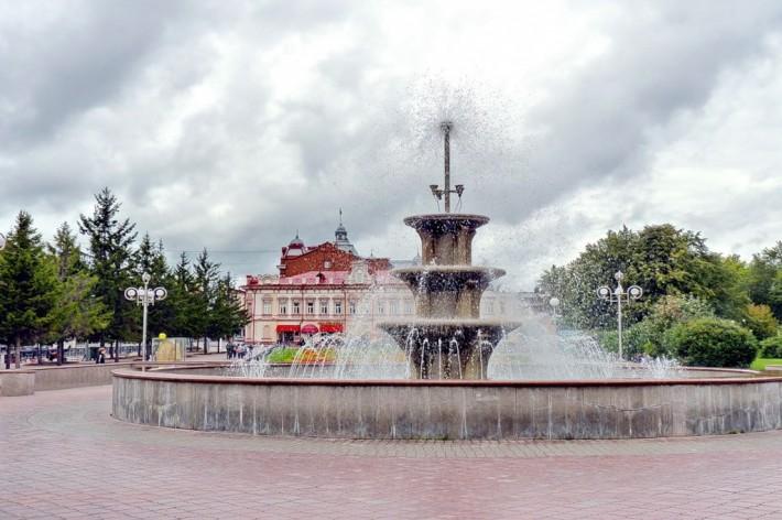 Фонтан на Новособорной площади