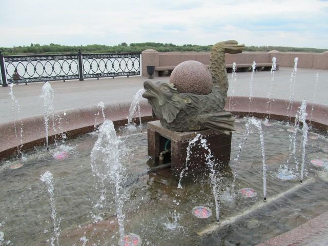 Один из фонтанов Астрахани