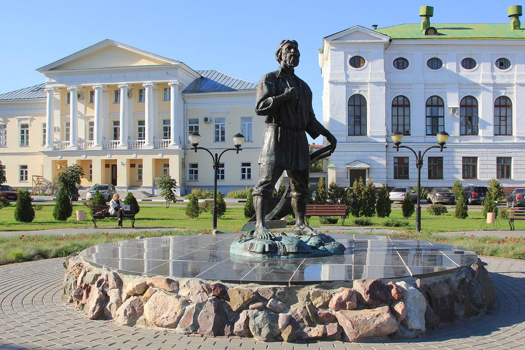 Памятник подешевле Чистые пруды Лампадка из покостовского гранита ЦСКА