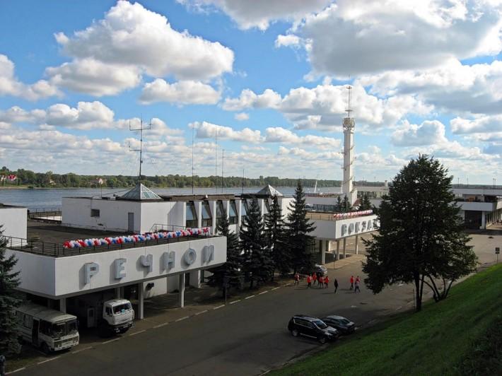 Речной вокзал в Ярославле