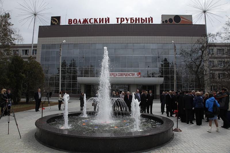 памятник из цветного гранита Куровское