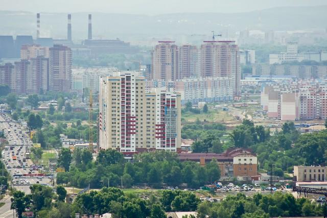 ЖК Парус и дальше высотки микрайонов Строитель и Флегонтова