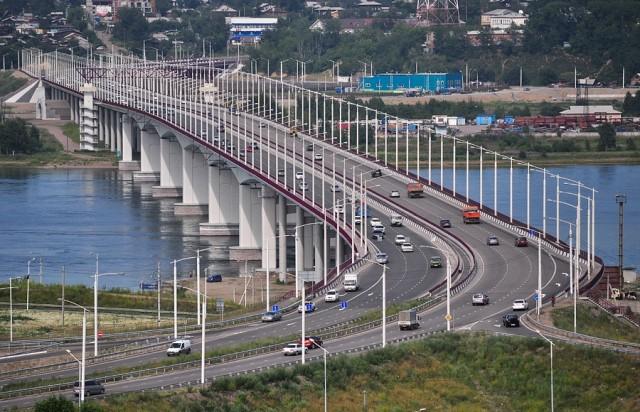 Новейший мост в Иркутске
