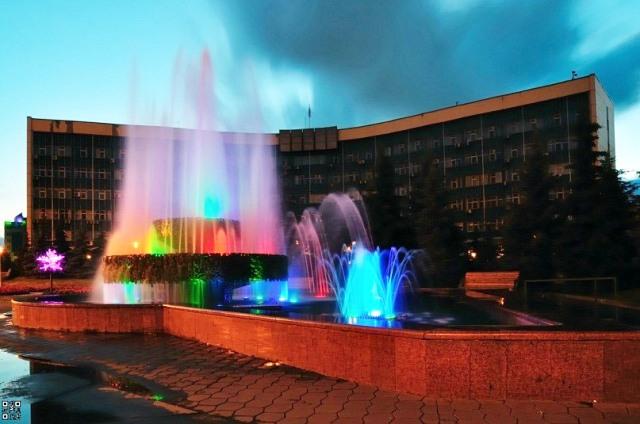 Центральный район - танцующий фонтан у администрации города