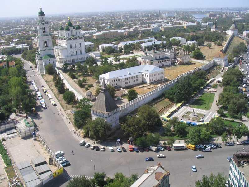 Вид сверху на Астраханский кремль
