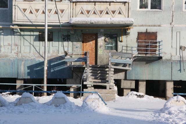 Дома в Якутске строят на сваях, чтобы не подтопить мерзлоту