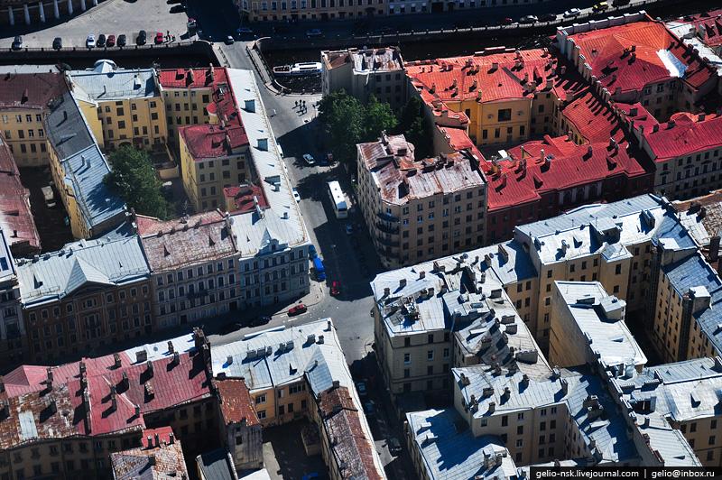 Пересечение Миллионной улицы и Мошкова переулка