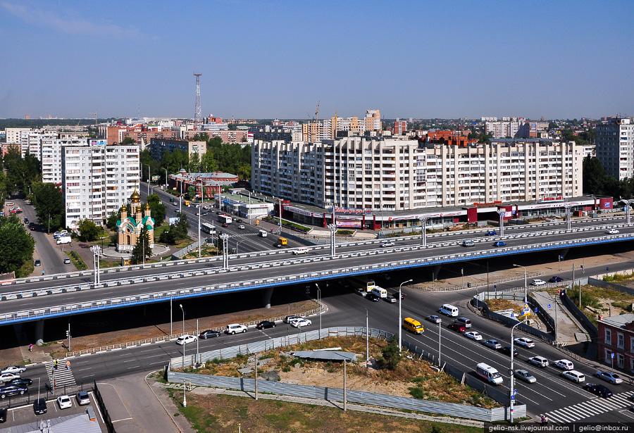 Пересечение улиц Красный путь и Фрунзе. Эстакада моста им. 60-летия Победы