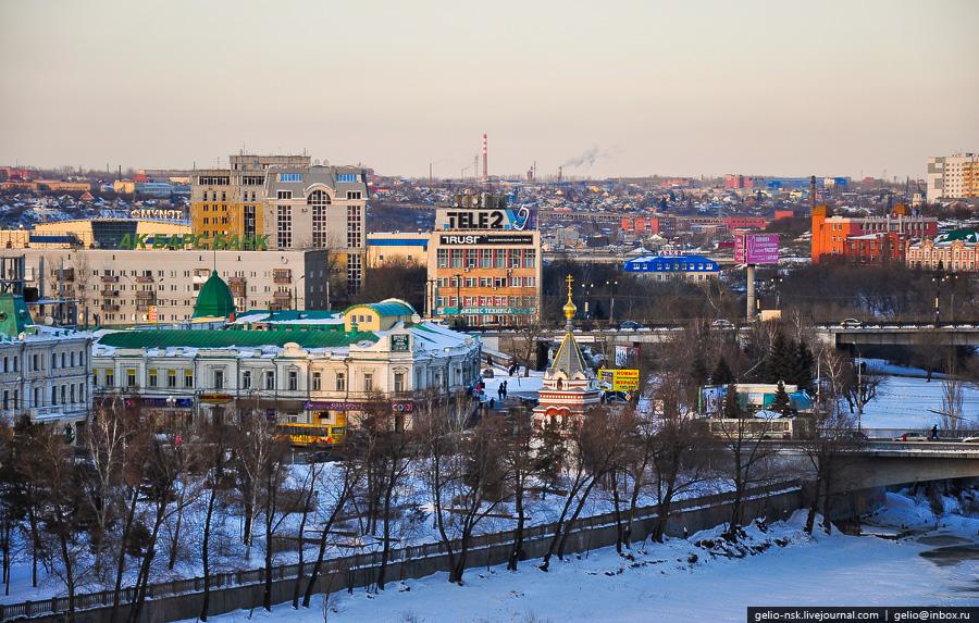 Воскресенский сквер и Серафимо-Алексеевская часовня