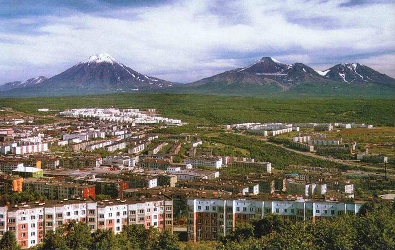 Вид Петропавловска-Камчатского с Безымянного Вулкана