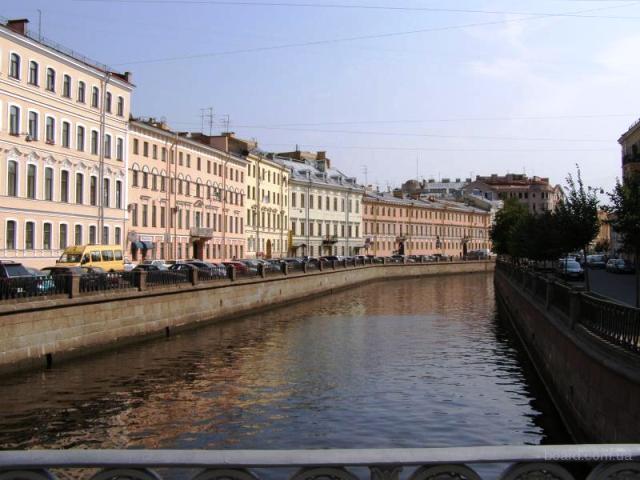Квартиры «средней элитности» с видом на воду