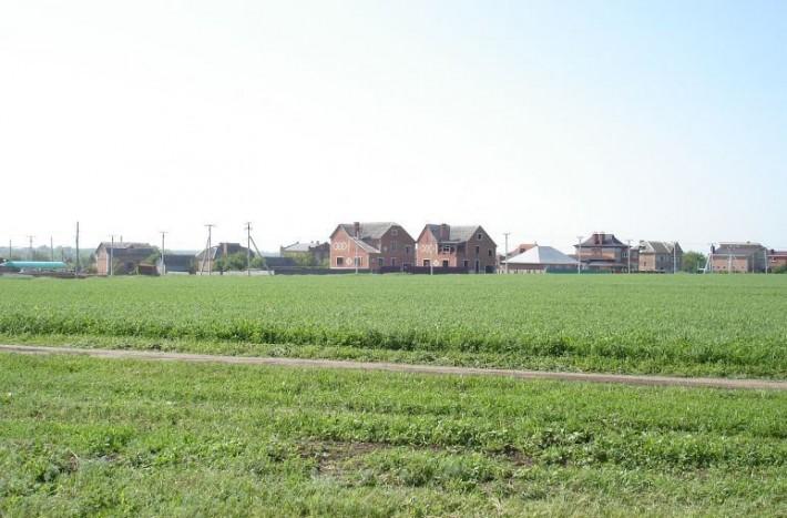 Новые дома в Широчанке, вид со стороны города
