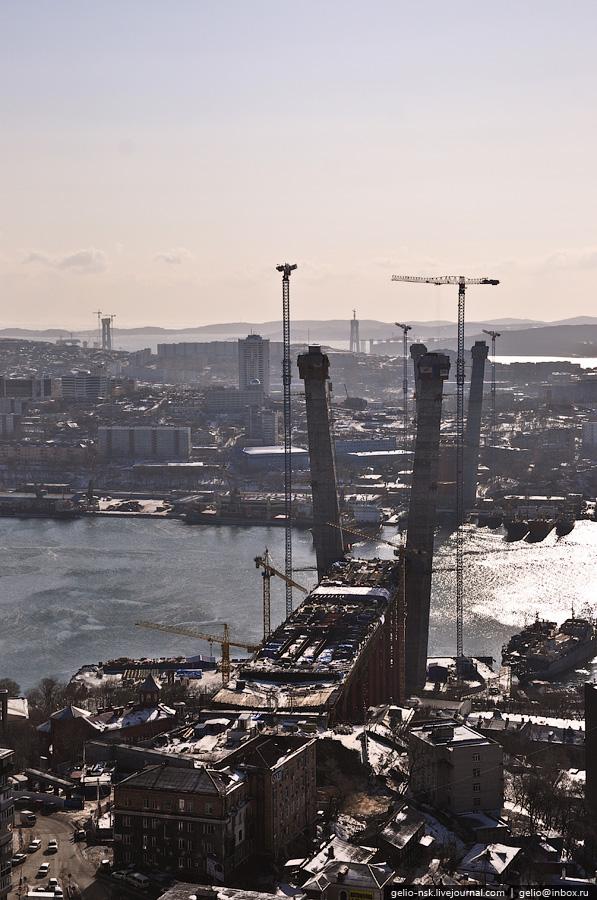 Строительство было начато 25 июля 2008 года в рамках программы подготовки города к проведению саммита АТЭС в 2012 году.
