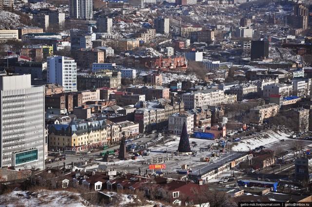 Центральная площадь города. Площадь Борцов Революции