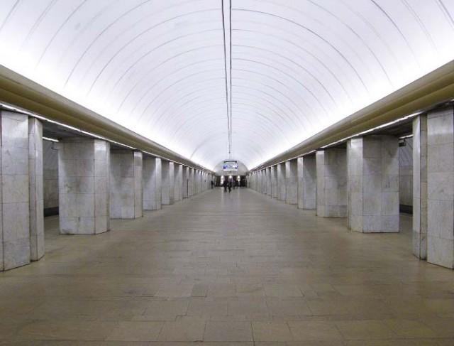 Москва, станция метро Петровско-Разумовская