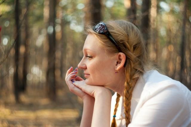 Даже в солнечный день можно грустить в Александровском парке (С-Петербург)