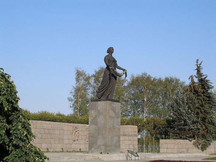 Мемориальный комплекс «Пискаревское кладбище»