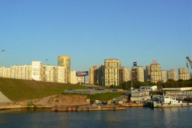 Левобережный: с видом на Химкинское вдхр.