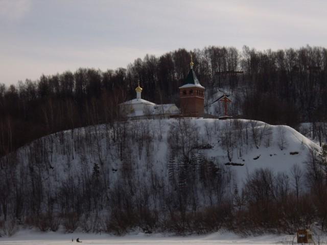 Дудинский монастырь в снегу