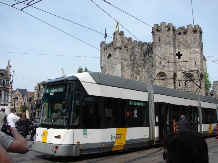 Один из трамваев в Генте