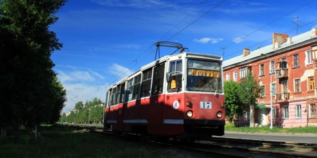 Омский трамвай выдворен на городские затворки