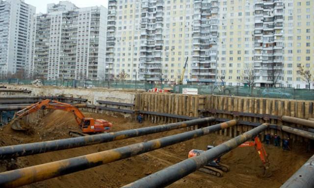 Строительство станции метро «Пятницкая» в Митино