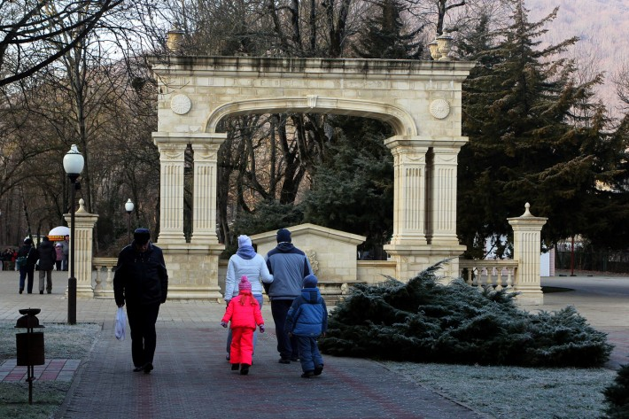 Вход в Горный парк (январь 2014)