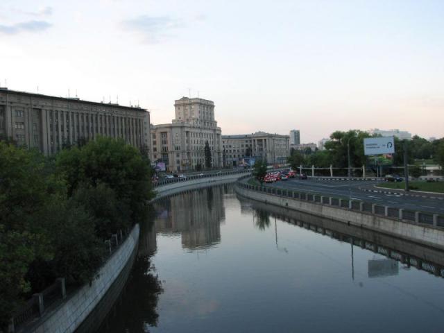 Набережная Яузы в Лефортово