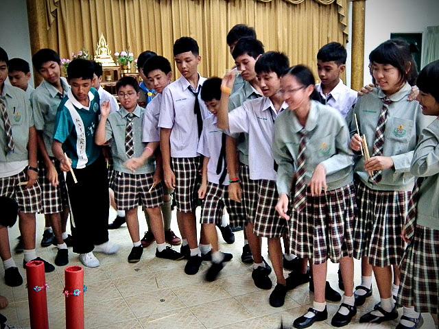 Девиз тайских школ – к знаниям через игры