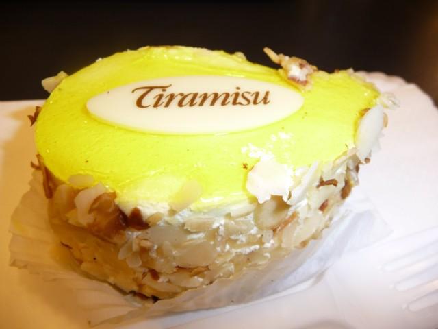 Десерт Тирамису в одной из кофеин Риги