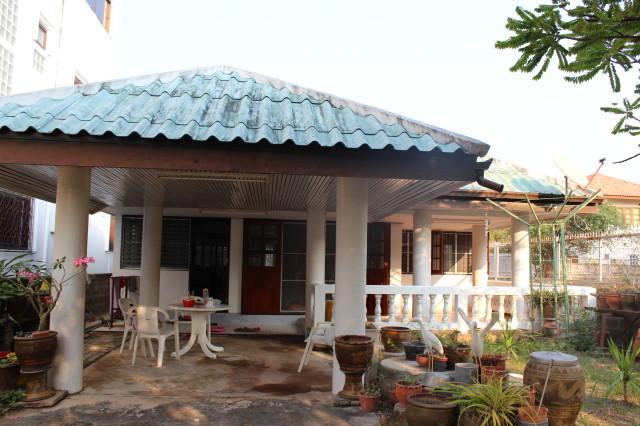 Дом в Хуахине за 10000 бат в месяц